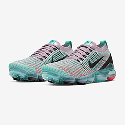 separation shoes 7b055 acaf0 Out Now  Nike WMNS Air VaporMax Flyknit 3 Plum Chalk