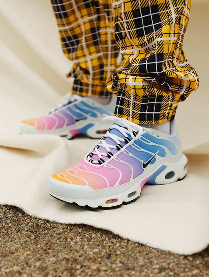 A Closer Look At The Nike Wmns Air Max Plus Metallic The Drop Date