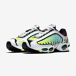 9d193522e0 The Nike Air Max Tailwind 4 China Rose Adds Some Retro Gradient