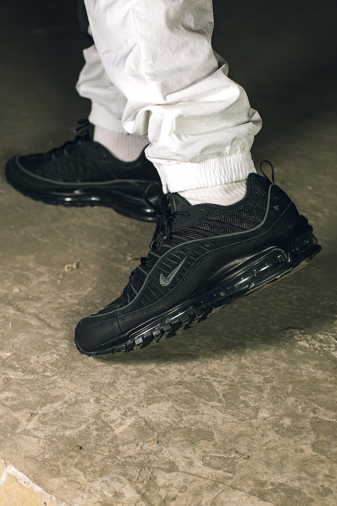 A Closer Look At The Nike Air Max 98 Black And Anthracite The
