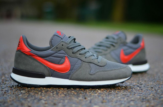 mecanismo Sin cabeza complejidad  NIKE INTERNATIONALIST REVIEW