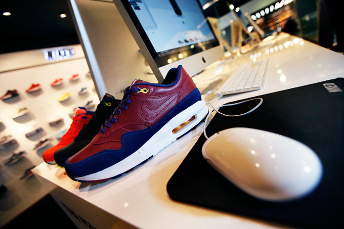 nike air max 1 fcb id nikeid contest the drop date