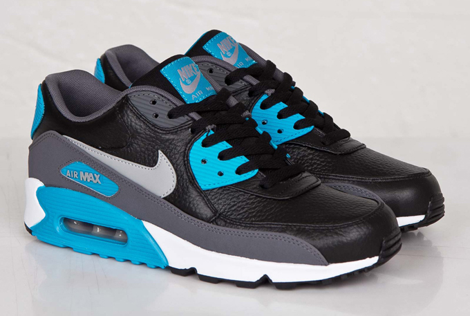 black and blue air max 90