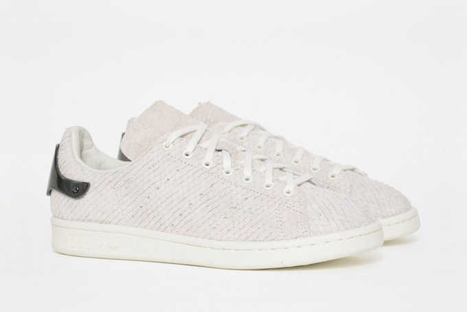 new products ebd78 866fe adidas Originals Stan Smith Metal Heel - The Drop Date