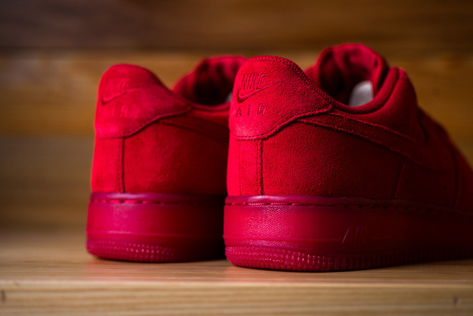 Nike Air Force Red Suede Low