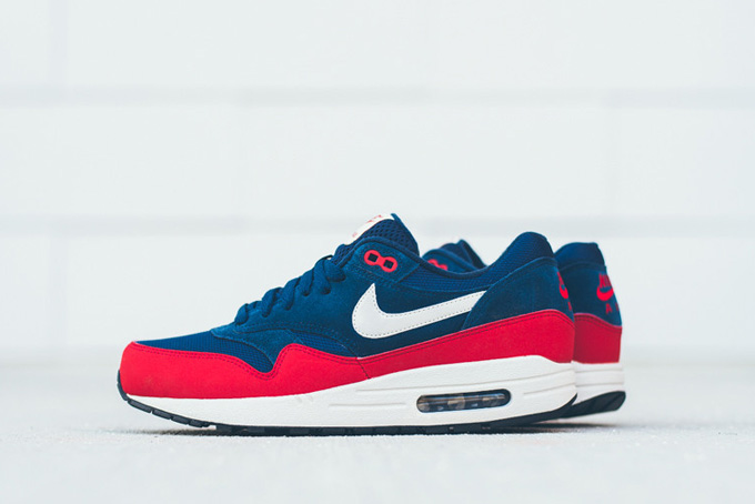 9ed1926fc20 ... sweden nike air max 1 essential navy red side c44a1 a3ccc