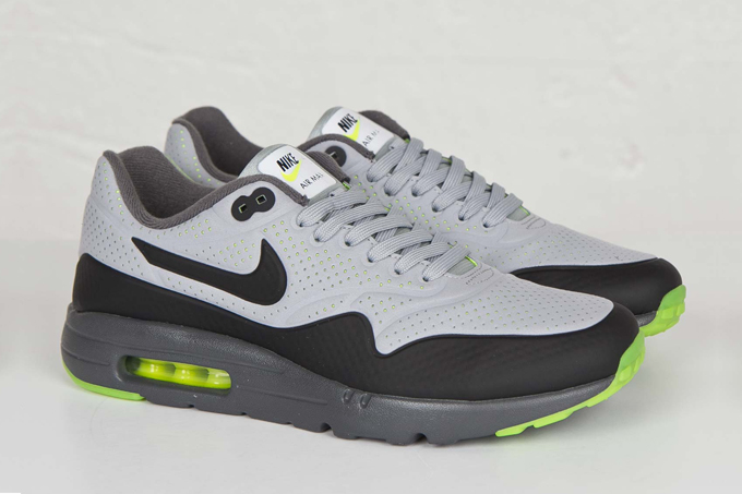 sports shoes bd9c9 7a543 nike air max 1 ultra moire neon front