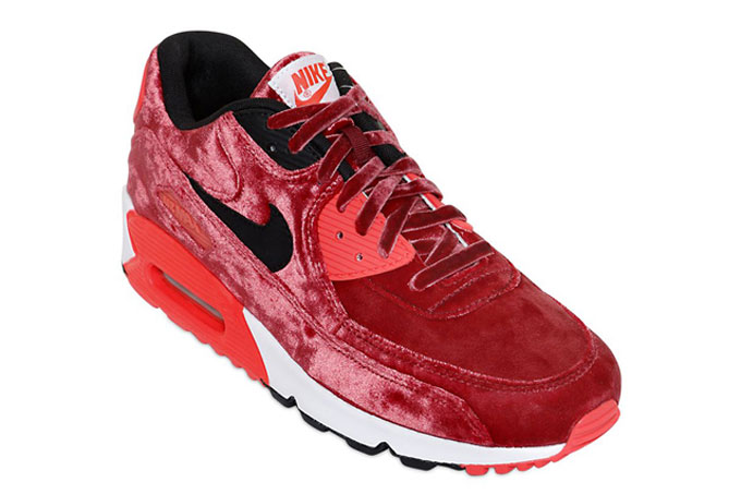 NIKE AIR MAX 90 RED VELVET - The Drop Date