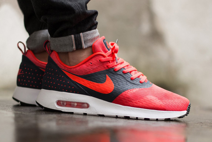 Air Max Tavas Red And White
