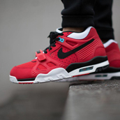 nike air trainer 3 university red f