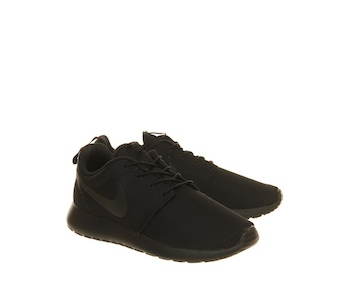 NIKE ROSHE RUN TRIPLE BLACK - Black / Black and erm, Black
