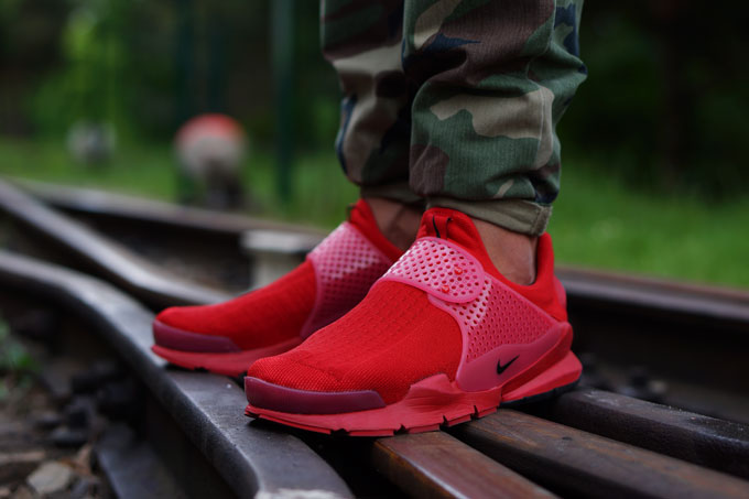 wholesale dealer 897ce 2b105 Nike Sock Dart Red - The Drop Date