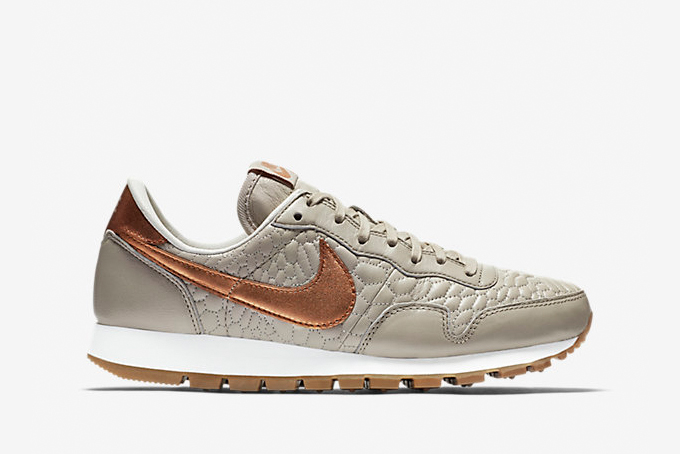 on sale 56690 38616 nike wmns air pegasus 83 prm quilted pack 1