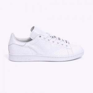 stan smith perforated social