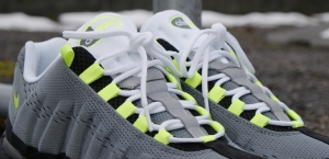 NIKE AIR MAX 95 NEON ENGINEERED MESH b40fa73e8