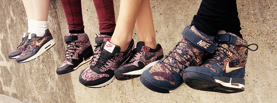NIKE X LIBERTY LONDON BOURTON PRINT COLLECTION